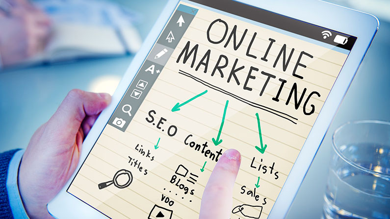 Funciones y características de un consultor de marketing online